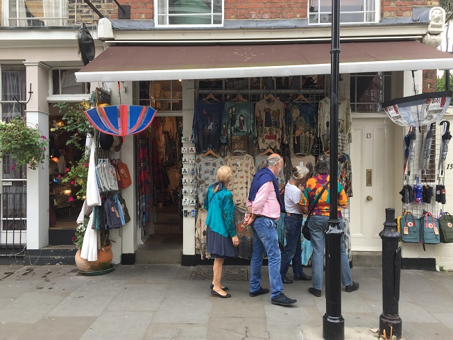 THE BEST PLACES FOR VINTAGE SHOPPING IN LONDON